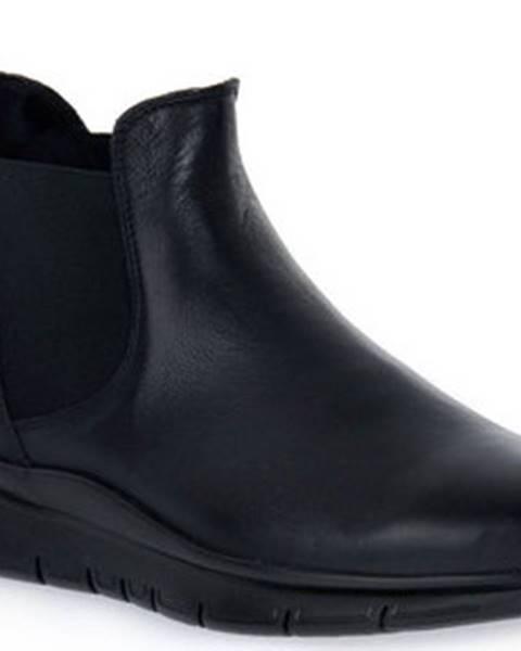 Černé boty Frau