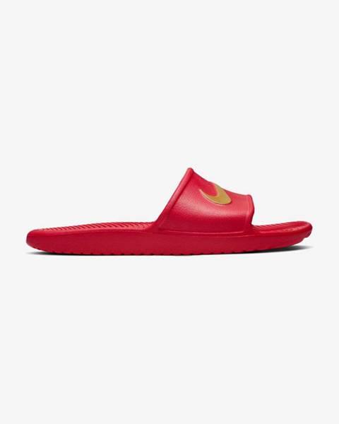 Červené pantofle nike