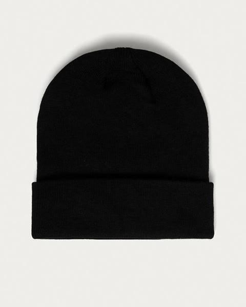 Černá čepice only