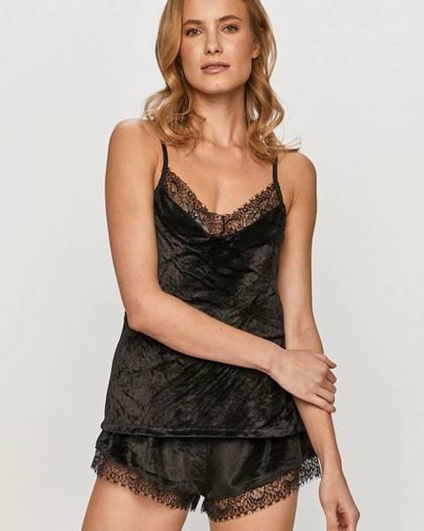 Černé spodní prádlo only