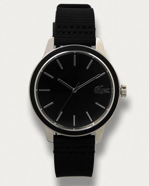 Černé hodinky lacoste