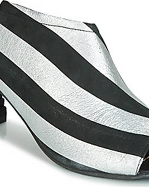 Černé sandály Papucei