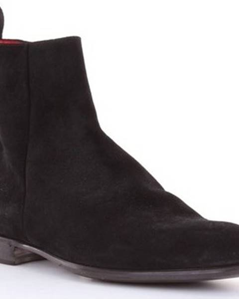 Černé boty Barrett