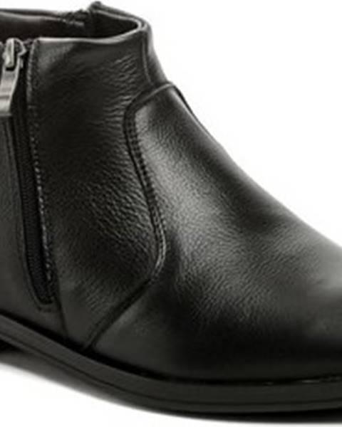Černé boty Bukat
