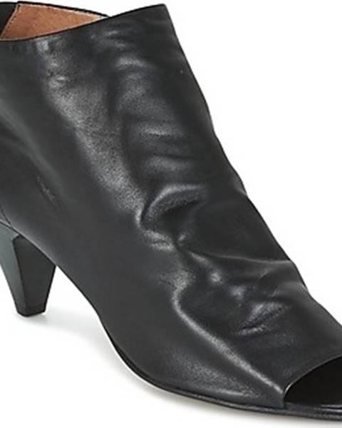 Černé sandály Hudson