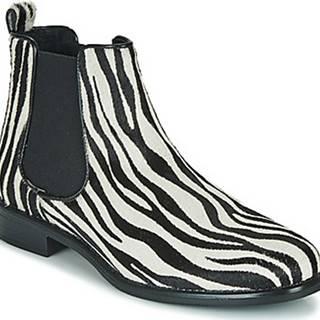 Betty London Kotníkové boty HUGUETTE Černá