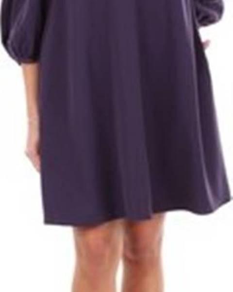 Fialové šaty Armani
