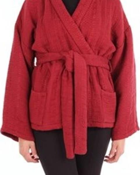 Červený svetr Mes Demoiselles