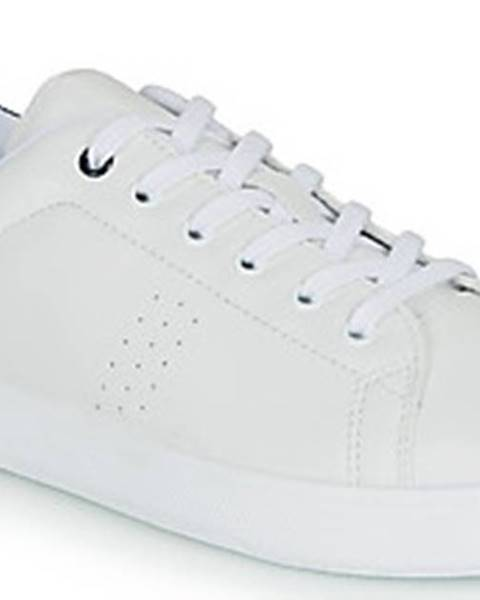 Bílé tenisky André