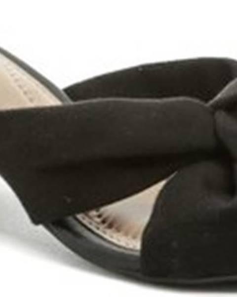 Černé pantofle Arno