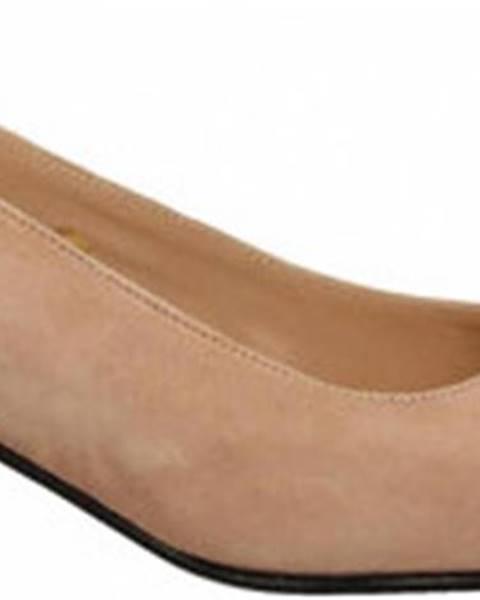 Růžové boty Frau