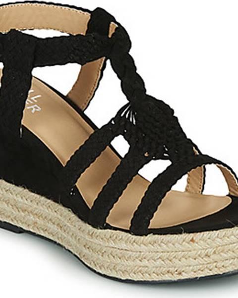 Černé sandály Bullboxer