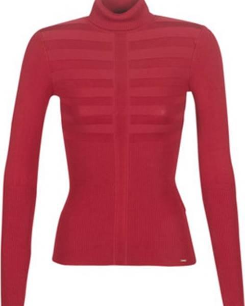 Červený svetr Morgan