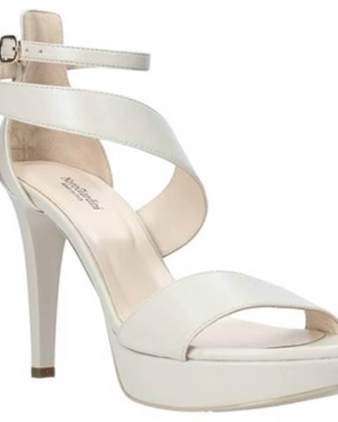 Béžové sandály Nero Giardini