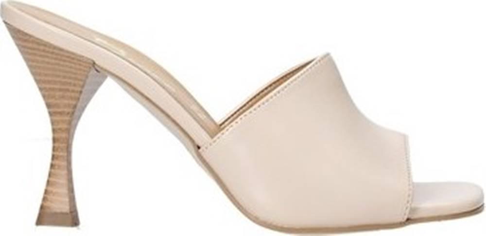 Grace Shoes Grace Shoes Sandály 6293Y014 Béžová