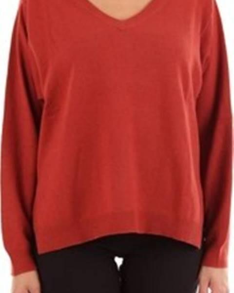 Hnědý svetr Altea