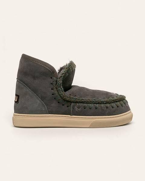 Šedé boty Mou