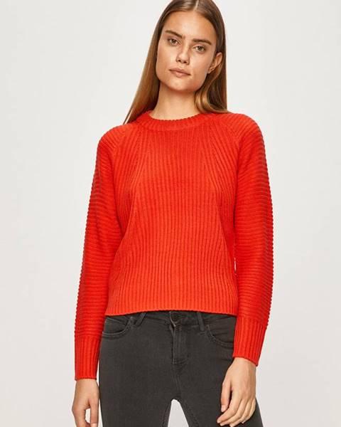 Červený svetr only