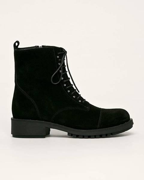 Černé boty Badura