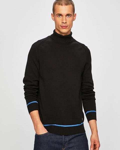 Černý svetr blend