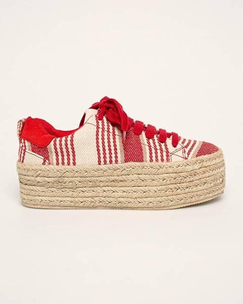 Červené boty Corina