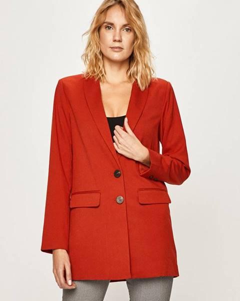Červené sako vila