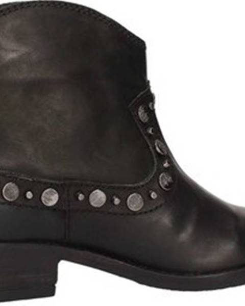 Černé boty INUOVO