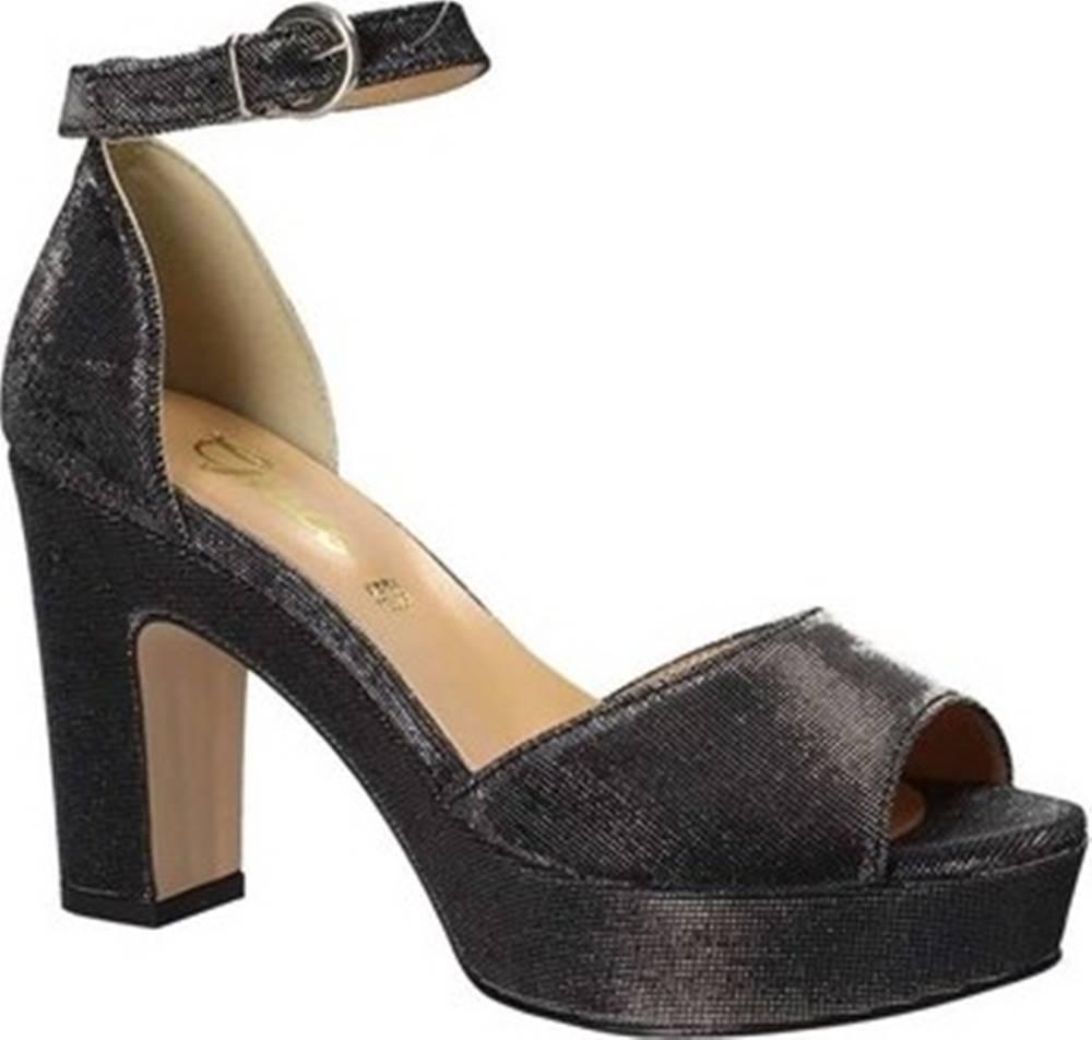 Grace Shoes Sandály 1705 Černá