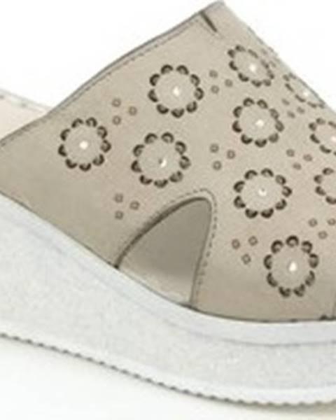 Béžové pantofle Grunland