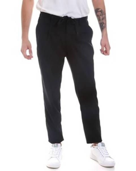 Černé kalhoty Antony Morato