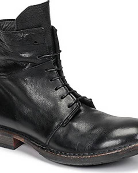Černé boty Moma