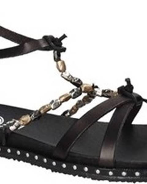 Černé sandály 18+
