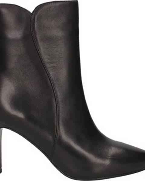 Černé boty Emanuélle Vee