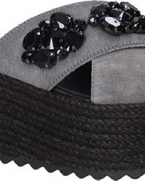 Černé pantofle Exé Shoes