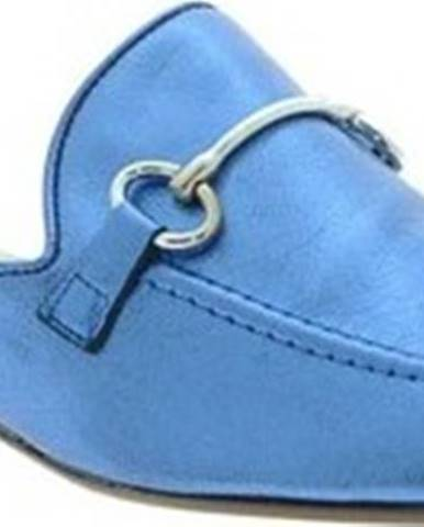 Pantofle, žabky Mally