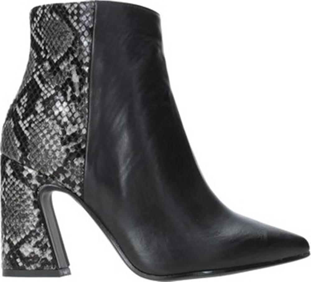 Grace Shoes Kotníkové kozačky 962G014 Černá