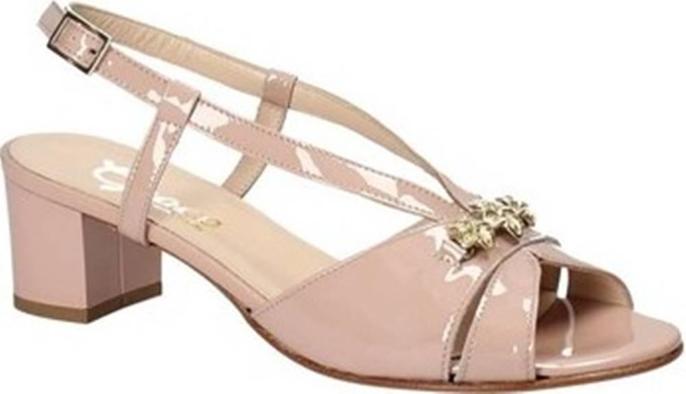 Grace Shoes Sandály E8122 Růžová