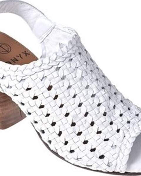 Bílé sandály ONYX