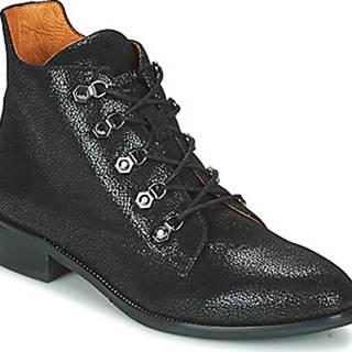 Kotníkové boty Seraga Černá